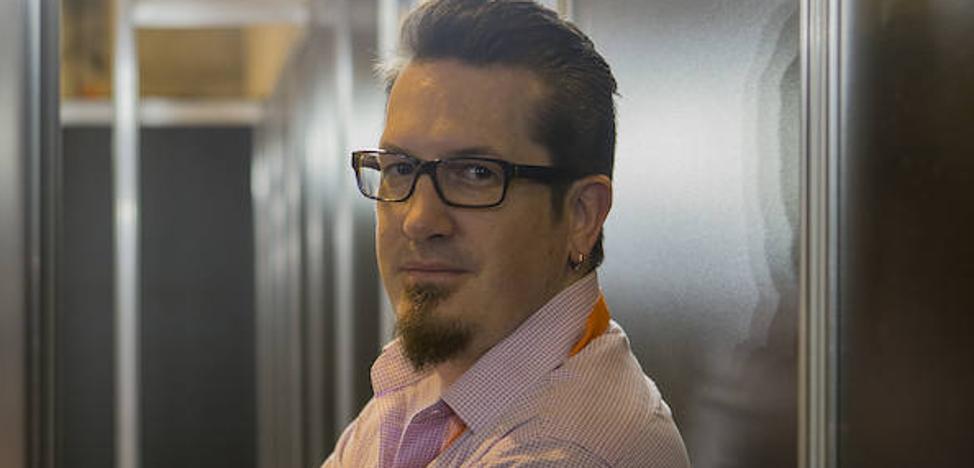Mark Brooks: «El mundo se está volviendo aterrador, necesitamos leer 'Deadpool', gente que va disparando y bromeando»