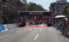 Camilo Santiago gana la Media Maratón