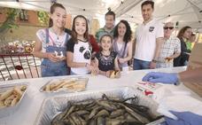 La Cofradía del Pez prepara 30.000 raciones con 900 kilos de truchas