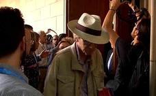 Cancelan un acto de homenaje a Cervantes en la UB por una manifestación contra el evento