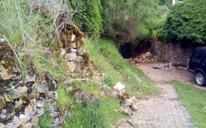 La Guindilla: rocas en el camino, en Canales de la Sierra