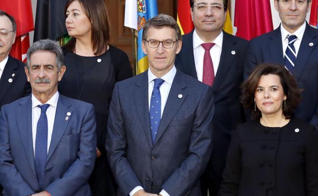 El PP confía en un consenso previo que evite elegir entre Feijóo o Santamaría