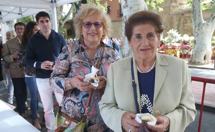 Logroño volvió a cumplir con la tradición del pan y el pez por San Bernabé (I)