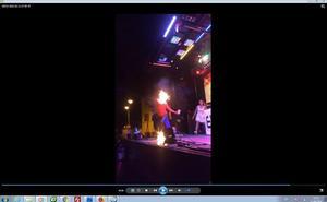 Una 'comefuegos', ingresada en Zaragoza tras quemarse durante un espectáculo
