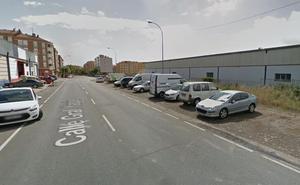 Dos jóvenes heridos en la colisión de dos coches en Logroño