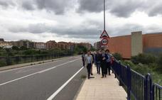 Las nuevas aceras mejoran el tramo entre el Arnedo Arena y el colegio Sagrado Corazón