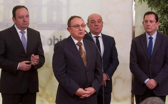 La Cámara elige hoy a García-Calzada presidente, en un pleno al que Ruiz-Alejos se aferra con una vocalía