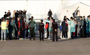 El 'Aquarius' desembarca en Valencia tras nueve días de odisea