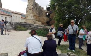 Una turista madrileña de 72 años muere tras caer de la torre del castillo de Briones