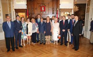 Martínez Arregui destaca el vínculo de La Rioja con ciudadanos en el exterior