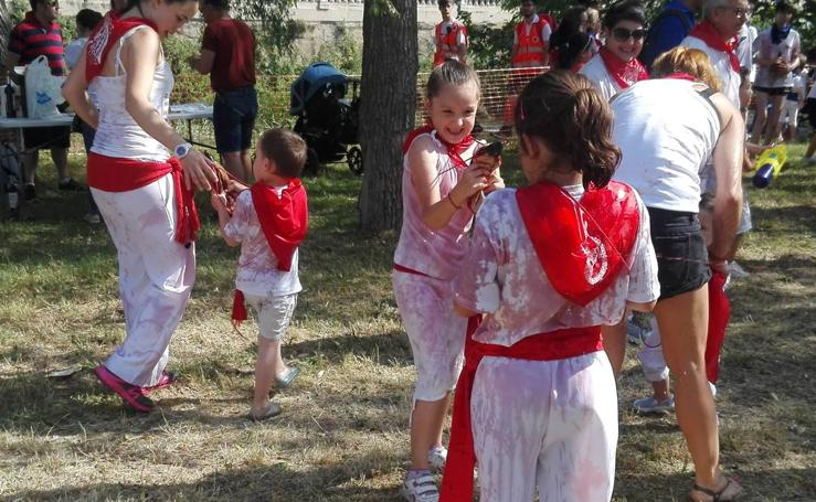 La versión infantil de la batalla del vino en Haro