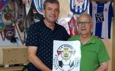 La Escuela de Fútbol dona 210 euros a Cáritas