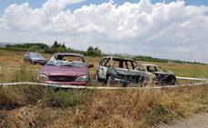 Tres coches calcinados en Rincón de Soto