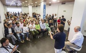Sáenz de Santamaría se postula como candidata «para ampliar la base» del PP