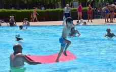 Tres piscinas riojanas se unen a «Mójate por la esclerosis múltiple» el día 8