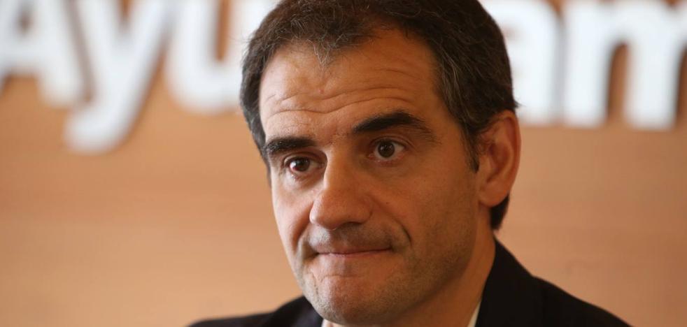 Miguel Sainz: «Estamos muy tranquilos, el Ayuntamiento funciona con normalidad»