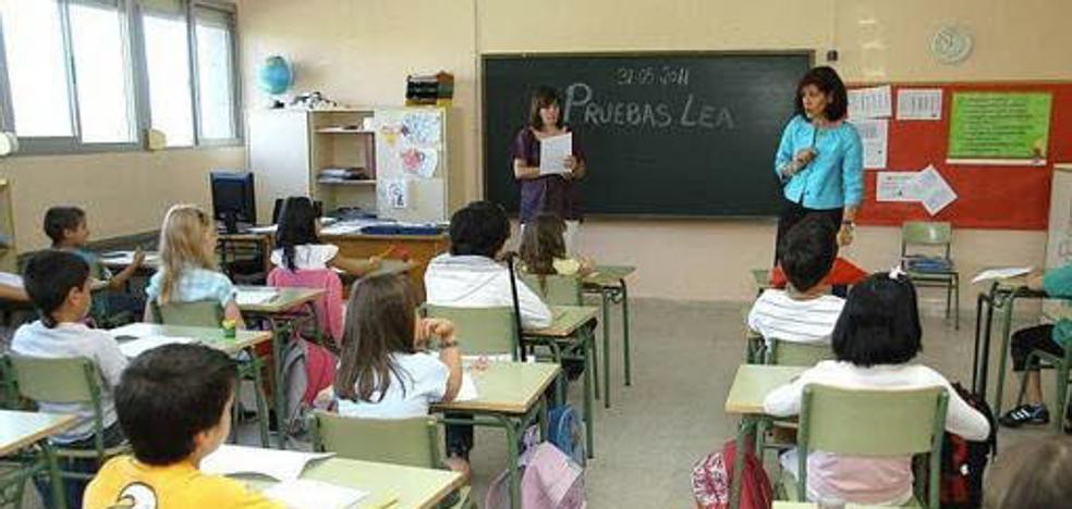 El Gobierno subirá 100 euros las becas para los estudiantes con menos recursos
