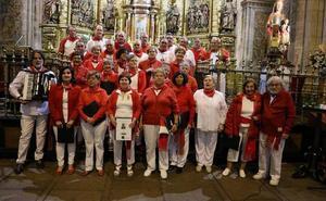 Misa navarra a cargo de los 'Auroros de Viana'