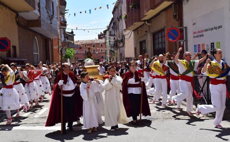 Domingo de precesión en las fiestas de Lardero