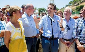 Casado pide un debate para «confrontar ideas» y Santamaría acepta con reservas