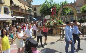 Entrena danza y procesiona a San Cristóbal