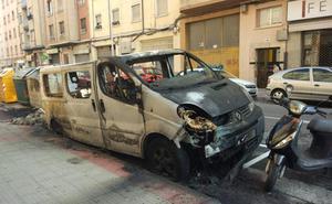 Logroño se gasta unos 60.000 euros al año en reponer contenedores quemados
