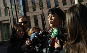 Los docentes denunciados por hostigar a los hijos de guardias civiles tras el 1-O piden el traslado
