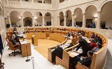 PP y Cs pactan una reforma del Estatuto que marca un mínimo de 31 diputados