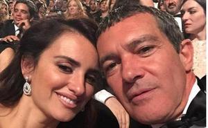 Antonio Banderas y Penélope Cruz se cuelan en los premios Emmy