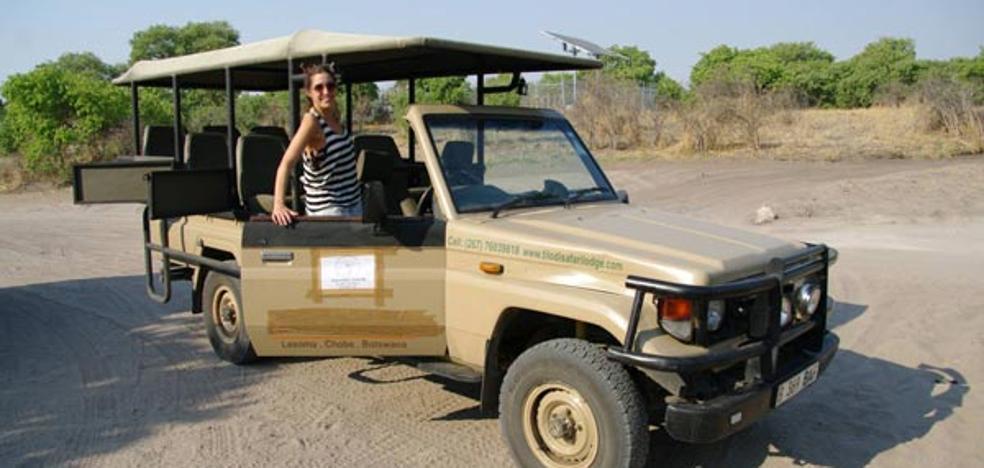 Cómo es un safari en Botswana en tienda de campaña