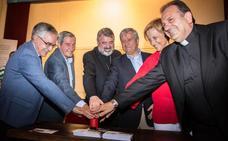 Santo Domingo acogió la presentación del primer sello solidario de Correos