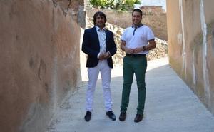 La calle Castillo se reurbaniza e incluye nuevas acometidas de agua potable