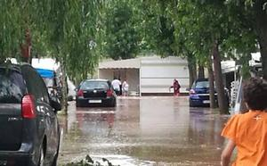 Desalojadas cien personas del camping de Navarrete