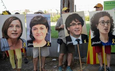 Los letrados del Parlament proponen sustituir a los diputados suspendidos por diputados de su grupo