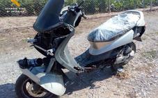 Dos menores detenidos tras darse a la fuga con una moto robada