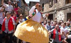 La ONCE dedicará el cupón del día 24 a la danza de los zancos de Anguiano