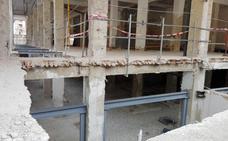 Las obras del antiguo mercado están en marcha pero acumulan un mes de retraso