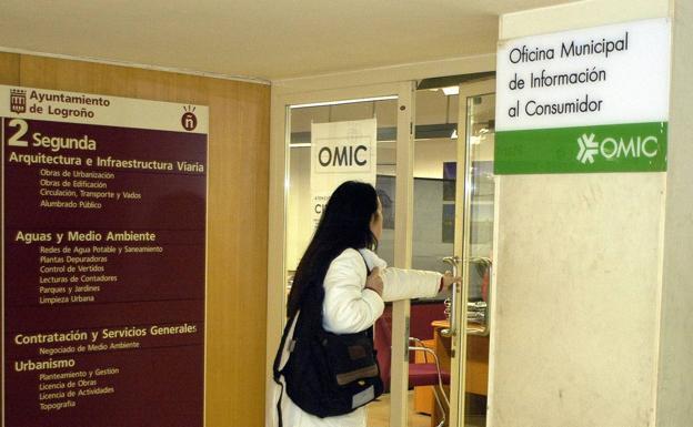 Telecomunicaciones y alojamientos centran las consultas de for Oficina consumidor telecomunicaciones