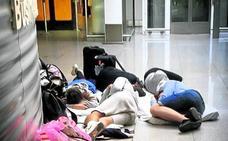 «Hemos visto cómo separaban a familias con niños pequeños en distintos vuelos»