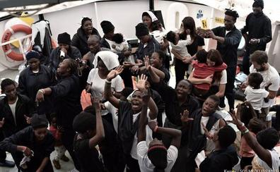 608 de los 629 migrantes del Aquarius han pedido asilo y 15 serán expulsados