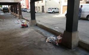 Ezcaray amanece entre basura