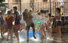 Pólvora y agua dan inicio a las fiestas de El Rasillo
