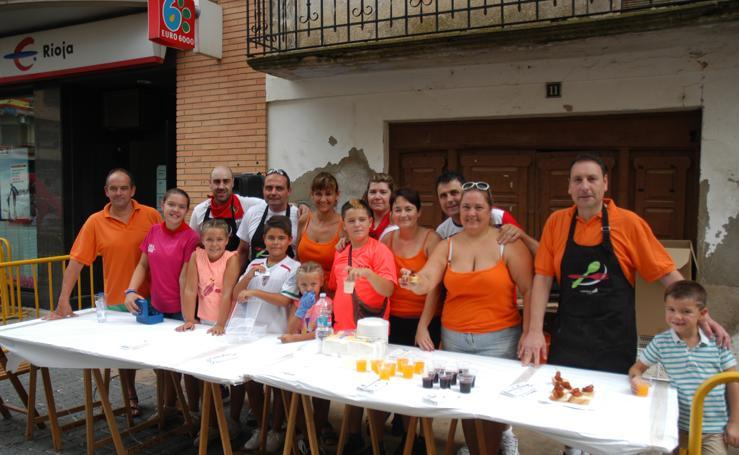 Las mujeres de Rincón de Soto celebraron ayer su día por todo lo alto