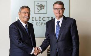 Los 'dedazos' de Pedro Sánchez dan munición a los partidos