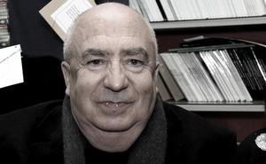 Ángel Guinda: «Ser narrador es una profesión, pero ser poeta es una posesión»