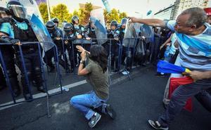 Más de 450 heridos en una protesta en Rumanía contra el Gobierno