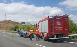 Una mujer herida en accidente de tráfico en Viana