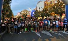 Santo Domingo, de noche, a la carrera