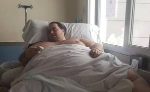 La familia del joven de 350 kilos denuncia al Hospital de Manises