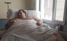 El hombre de 385 kilos acusa al hospital de Manises de poner en riesgo su salud
